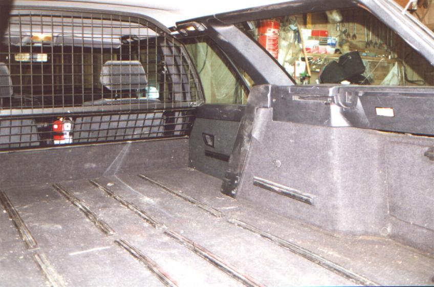 Fjerne skillevegg i varebil